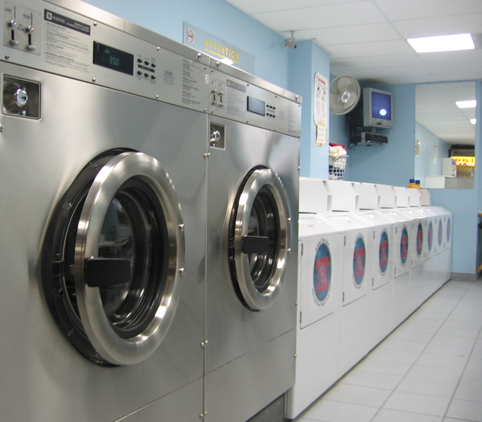 Funny Laundromat Pictures Top 5 Funny Things To Do At A Laundromat